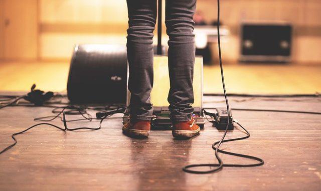 5 Best Mics for Bass Guitars and Bass Amplifiers - Boost Your Bass